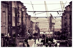 (Jean-Luc Lopoldi) Tags: bw port noiretblanc harbour faades bretagne downhill cranes wires grues filslectriques descente
