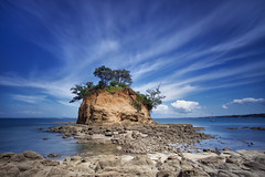 The Tor (MarkMeredith) Tags: newzealand rock island coast north shore nz tor canonef1740mmf4lusm torbay waiake