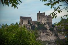 Chateau de Beynac #2 (ur.bes) Tags: castle church monument canon eos village fort dordogne medieval historic 600 prigord chateau commune region stronghold glise eglise beynac fortified historique 600d mdivale