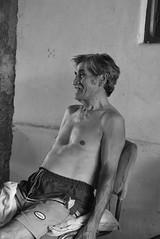 Sonrisa de antaño (Bochito007) Tags: old white black blanco smile nikon negro sonrisa anciano viejo abuelo granfather d5200