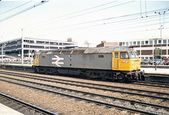 47107 Doncaster (British Rail 1980s and 1990s) Tags: britishrail class47 br 47107 47 doncaster train rail railway station diesel loco locomotive 90s 1990s sulzer type4 nineties livery railfreight ecml eastcoastmainline er easternregion brush yorkshire mainline trains liveried traction railways