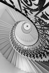 Tulip Staircase, Queen's House, London (Davoud D.) Tags: tulipstairs tulipstaircase queenshouse greenwich royalgreenwich geometric spiralstairs spiralstaircase inigojones escher mcescher stairs staircase helicalstairs helicalstaircase thequeenshouse geometry london steps