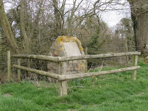 Alton Barnes: Albermarle Bomber V1755 Crew Memorial, Honeystreet (Wiltshire)