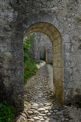 Enfilade (frost242) Tags: doors wide pierres provence chemin sisteron portes citadelle wclx100 x100t