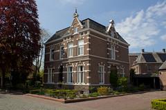 Megen - Willem Knippstraat (grotevriendelijkereus) Tags: house holland home netherlands town village nederland villa huis brabant stad dorp noord plaats megen