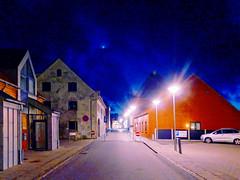 Kein Mondlicht am Fjord (thomaskrumm) Tags: street blue night lumix grey mond thomas skandinavien grau fjord laterne brb szene lemvig krumm mondlicht lf1 scandinavien tkrumm