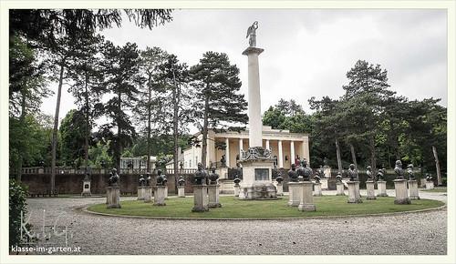 Gedenkstaette Heldenberg, NOE: saeulenhalle und italienkaempfer | 2015-05