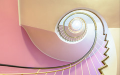 Pink me up (Thierry Hudsyn) Tags: pink stairs munich spiral stairway escalier cafglockenspiel canon6d ef1635mmf4lisusm