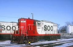 SOO GP9 557 (Chuck Zeiler) Tags: railroad locomotive soo chz emd gp9 557
