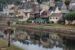 ...... riflessi sulla Vezere # 1 (antosti) Tags: nikon fiume d70s acqua riflessi francia perigord leseyzies giornata aquitania vezere lebugue piovosa