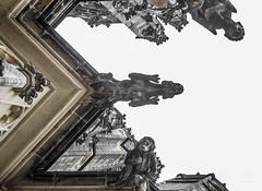 Sigma (werk-2at) Tags: architecture contrast canon photography photographer availablelight urlaub kathedrale prag tschechischerepublik monochrom alessandra figures burg werk2 seitz wchter dmon veitsdom
