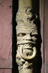 Tte de diable / glise Notre-Dame de Dijon (Cte dOr) (Charles.Louis) Tags: dijon religion notredame histoire mh bourgogne glise patrimoine diable dmon ctedor meneau