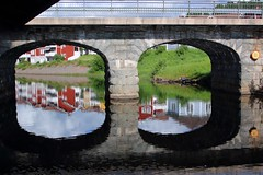 Enn Rttvik.... (m.rsjoberg) Tags: building byggnad sverige sweden dalecarlia dalarna bridge bro smallriver stream 70d canon siljan reflection spegling water vatten rttvik enn