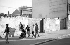 Minolta Hi-Matic G - Cejl Streetphoto (Kojotisko) Tags: bw streetphotography brno creativecommons czechrepublic streetphoto vx400 konicamonochromevx400 minoltahimaticg konicamonochrome