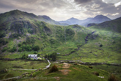 MOUNT SNOWDON, NORTH WALES. (IMAGES OF WALES.... (TIMWOOD)) Tags: mount snowdon lake snowdonia reservoir countryside roadtrip mountains grass trees scenic views view north wales welsh godscountry beautiful