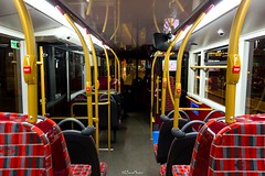 Route N26 - 2505 CT Plus - Enviro 400 City (3) (LFaurePhotos) Tags: bus london night interior trafalgarsquare charingcross upholstery moquette centrallondon 2505 ctplus lowersaloon routen26 sn16ohu