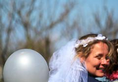 Moped Wedding.... (eleni m) Tags: smile canon bride veil ballon balloon streetphotography moped glimlach brommer sluier bruid straatfotografie