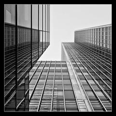 A bit building (Peter de Bock (exploring)) Tags: uk england blackandwhite bw black building london art architecture architect canarywharf architectuur