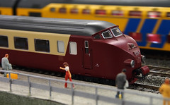 Trans Europe Express (Harry -[ The Travel ]- Marmot) Tags: holland netherlands dutch station train rotterdam klein nederland railway bahnhof mini railwaystation ho kraftwerk tee 010 trein nostalgie modeller miniatuur miniworld h0 transeuropeexpress modelbouw modelbaan httpwwwminiworldrotterdamcom