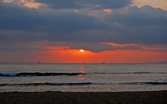 """In the Court of the Crimson King"" (Explored 5/14/2013) (jcc55883) Tags: ocean sunset sea sky sun clouds hawaii nikon day cloudy waikiki oahu horizon pacificocean waikikibeach suset yabbadabbadoo d40 nikond40 kapiolanibeachpark"