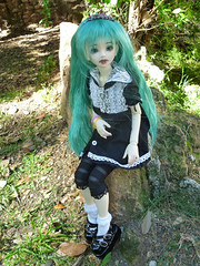 :: Moon Mi-Youn :: (Bunraku Doll) Tags: original moon cute girl outfit doll 14 goth longhair bjd  resin custom dollfie msd gothiclolita greenhair   unoa  gothloli lusis miyoun bunrakudoll dollmoreoutfit