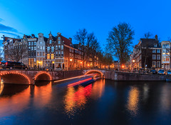 Parking and moving in Amsterdam (Maria_Globetrotter) Tags: world travel bridge blue vacation holiday holland tourism water netherlands beautiful by architecture fairytale night wonderful boat spring nice fantastic perfect europe long exposure pretty view postcard awesome sightseeing nederland eu visit location tourist best unesco clear le hour stunning planet destination romantic lonely sight traveling lovely visiting exploration majestic chanel incredible picturesque renaissance breathtaking keizersgracht frhling holand vr bl blaue stunde timmen nederlnderna 650d kanl mariaglobetrotter