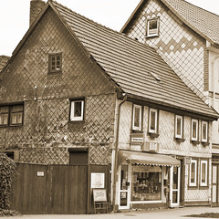 Ilfeld_Harz (ed 37 ~~) Tags: street old canon buildings germany deutschland thringen main thuringia sephia ilfeld ef24105mmf4lisusm canoneosd canoneos5dmarkii