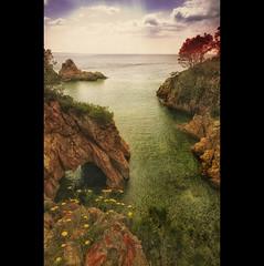 Mediterranean spring (christian&alicia) Tags: sea seascape nikon mediterranean sigma paisaje catalonia catalunya 18200 costabrava bello catalogne mediterrani christianalicia