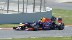 Webber . Red Bull RB9 . 2013 GP F1 Spain. The race. DSC_6833 (antarc) Tags: barcelona red 2 espaa race de one spain nikon mark grand f1 bull racing renault prix formula catalunya webber tamron circuit formula1 vc usd infiniti the 70300 montmel  formule 2013 rb9 d7000 rs272013