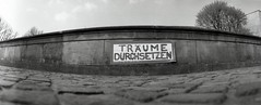 Trume durchsetzen (julian brombach photography) Tags: bw analog 35mm sw analogue horizonperfekt