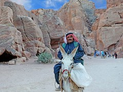 I've had enough from tourists (werner boehm *) Tags: petra jordan jordanien wernerboehm