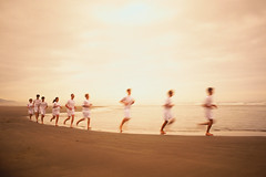 CB022374 (anchor1203) Tags: girls people white blur sports boys wearing children photography clothing group colorphotography running motionblur beaches teenager males runners whites females athletes endurance coasts discipline activewear motions exerciseclothing
