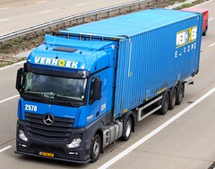 Mercedes Actros new look BZ VR 62 Verhoek (gylesnikki) Tags: blue truck artic mp4 verhoek