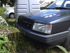 Renault 21 TD phase 1 de 1988 4144 SJ 37 - 16 mai 2013 (Rue des Rossignols - Joue-les-Tours) 2 (Padicha) Tags: auto new old bridge france water grass car station electric truck river french coach ancient automobile eau indre may police voiture ruine cher rest former 37 nouveau et loire quai franais nouvelle vieux herbe vieille ancienne ancien fleuve nationale vehicule lectrique reste gendarmerie gazon indreetloire franaise pave nouveaut vhicule utilitaire restes vgtalise letramdetours padicha