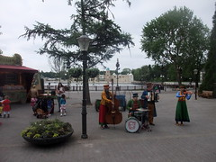 efteling_2_001 (OurTravelPics.com) Tags: street lake musicians front efteling attraction fata morgana aquanura
