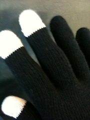 smartphone gloves glove iphone img2976 (Photo: Figgles1 on Flickr)