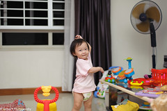 Emma girl dancing her favorite dance .  Photo taken on Thursday, 22 August 2013 at 1 year 3 months old. (gilbertt2) Tags: portrait baby nikon toddler nikon50mmf14 d700 sb700