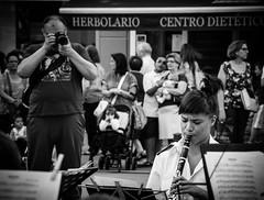Plaza Mayor [Explore] (BuRegreg) Tags: street musician music spain streetphotography explore musica streetphoto labanda rue albacete castillalamancha callejera musico 2013