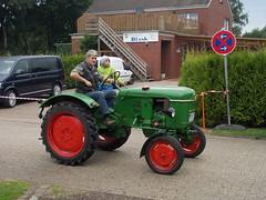 DSCN5423 (fuchs377) Tags: tractor germany deutschland europa europe traktor bulldog ostfriesland oldtimer allemagne duitsland trecker schlepper niedersachsen oldtimertreffen treckertreffen rechtsupweg