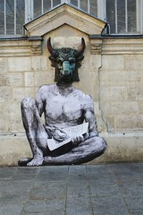 Levalet_0638 rue des Hospitalires Saint Gervais Paris 04 (meuh1246) Tags: streetart paris animaux paris04 taureau minotaure ruedeshospitaliressaintgervais levalet