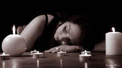 Candice assoupie (Pose Emotions) Tags: sleeping portrait woman table candle sleep femme portraiture slept bougie noirblanc sommeil endormi blackwithe assoupi