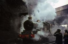 7029 at Birkenhead Woodside station.  5 March 1967 (Brit 70013 fan) Tags: castle station br engine steam birkenhead 1967 british railways woodside steamengine cluncastle britishrailways 7029 stephensonlocomotivesociety