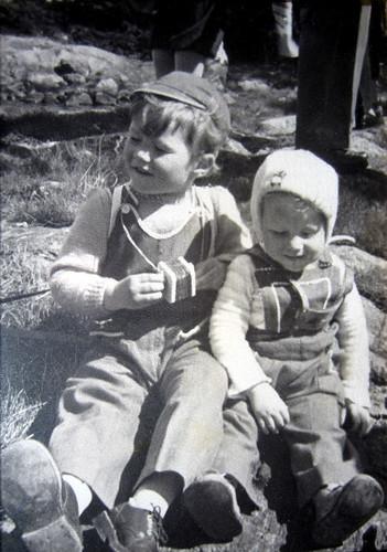Øystein og Håkon Erstad som barn