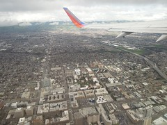 Overflying Downtown San Jose (kevincrumbs) Tags: southwest sanjose boeing 737 downtownsanjose southwestairlines wn 737300 n652wn