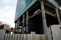 Bottom of Roppongi Grand Tower (ykanazawa1999) Tags: building japan tokyo construction roppongi minato