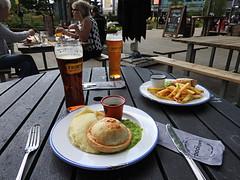 The Dockyard - Media City. (delticfan) Tags: beer pie salfordquays drinks pubfood mediacity pieandpeas mediacityuk thedockyard