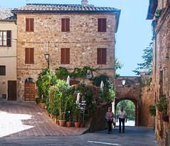 Pienza Town Gate (marcusvinicius441) Tags: italy places it unescoworldheritagesite pienza toscana valdorcia edits viadelcasello labckf11 lrvibclar lrdehaze