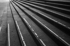 Lignes de fuite/ Creepage path (Anas Lecointre) Tags: blackandwhite white toronto ontario canada black monochrome photography march nikon stair noir photographie noiretblanc path staircase escalier marche ligne fuite blacn lignesdefuite creepage creepagepath