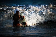 Surfer (JoanZoniga) Tags: surfing surf surfer surfergirl beach beachgirl beachbae beachbabe surfphotography esterillos esterilloseste playaesterillos jczuniga puravida canon canoneoskissx7 canonphotography eos100d eoskissx7 eosrebelsl1 waves ocean surfboard