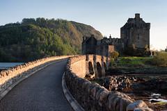 The World Famous at sundown (vihay) Tags: light 50mm scotland nikon warm sundown eilean donan mcrae 2016 niftyfifty d700